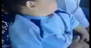 """فيديو طريف لردة فعل طفل نائم في حلبة للـ""""تبوريضة""""!!"""