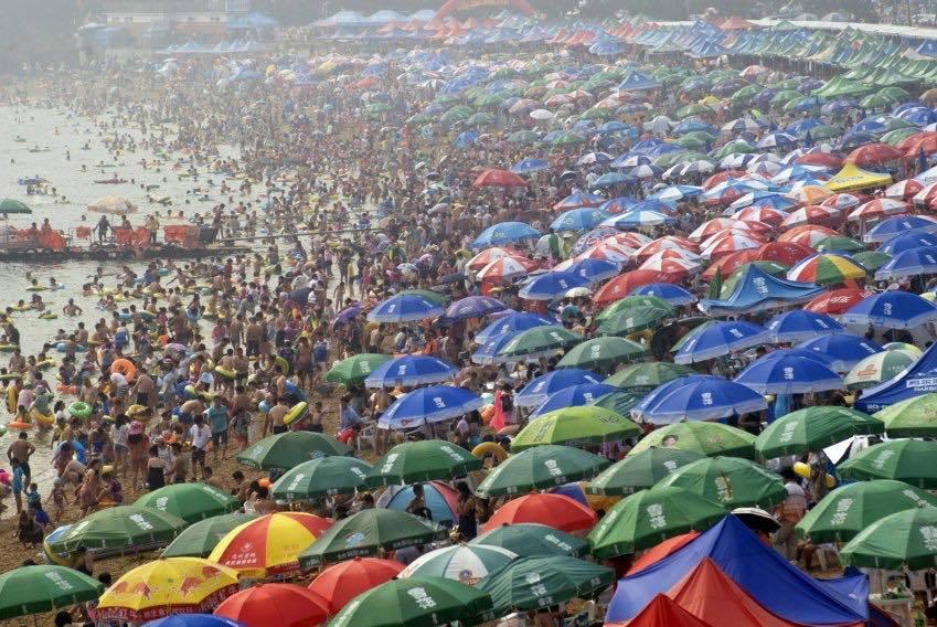 صور صادمة من الصين تظهر كيف يعيش الناس بسبب العدد السكاني الهائل