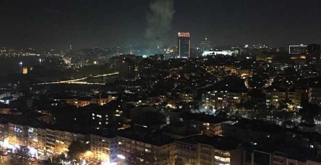 انفجاران في اسطنبول يصيبان 20 شخصا
