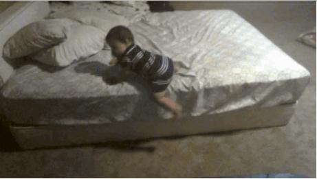 هذا الطفل يجب أن يكون ضمن القوات الخاصة عندما يكبر