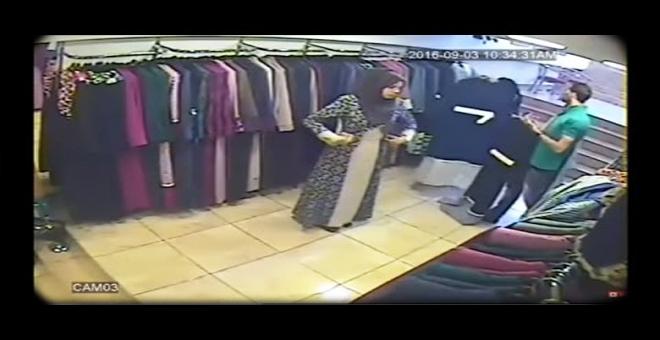 شاهد كيف تمت عملية السرقة في أحد المحلات