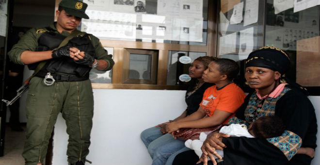 ضرب واعتقالات بالجملة..المهاجرون الأفارقة يحكون عن معاناتهم في الجزائر
