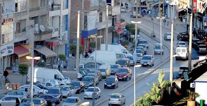 الجزائر تستقبل 2017 بإضراب عام ومسيرة للتجار