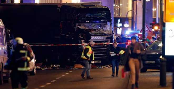 مقتل 9 أشخاص وإصابة 50 جراء اقتحام شاحنة سوقا في برلين