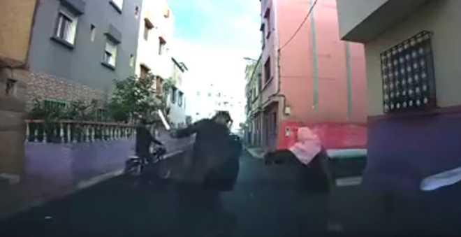 وأخيرا.. الأمن يوقف مجرما خطيرا ظهر في فيديو يحاول سرقة مواطن بالبيضاء