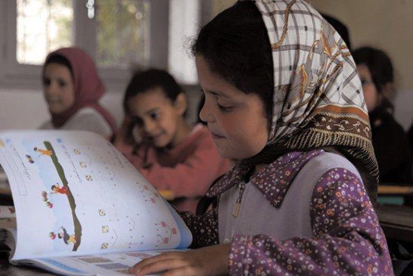 نقابيون: التعليم لا يحتاج لأموال الأسر بل لاستعادة ملايير ضائعة