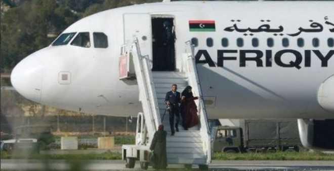 بالفيديو. انتهاء أزمة الطائرة الليبية باستسلام الخاطفين بمطار مالطا