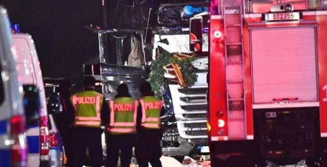 ألمانيا تتبنى فرضية الإرهاب لهجوم سوق ''عيد الميلاد''