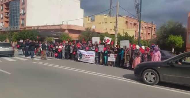 سابقة ببني ملال.. سكان يتضامنون مع رجال الأمن ويحتجون ضد الإجرام