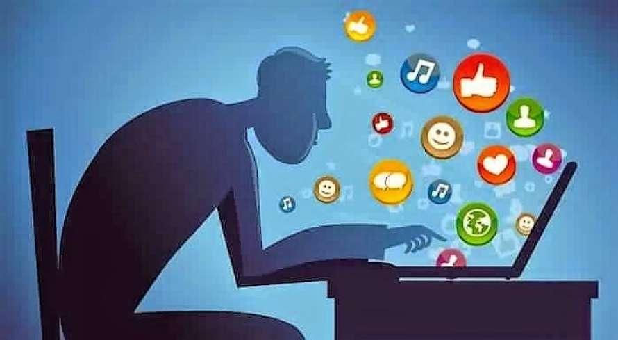 هل فكرت يوما في اعتزال مواقع التواصل؟؟.. تعرف على ما سيتغير في حياتك !!