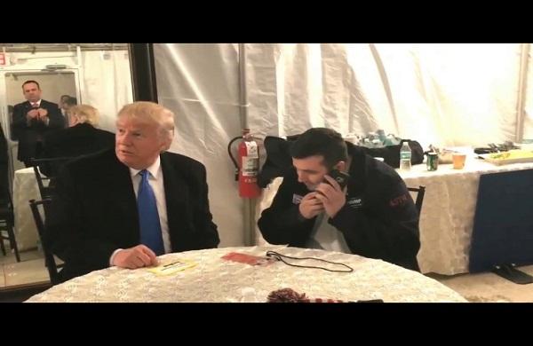 بالفيديو.. ترامب يمنح ساعي بريد مكافأة 10 آلاف دولار