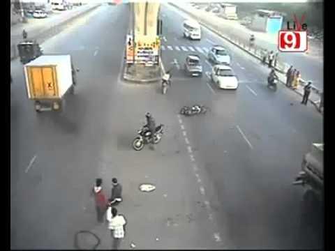 بالفيديو...حادث لا يصدق