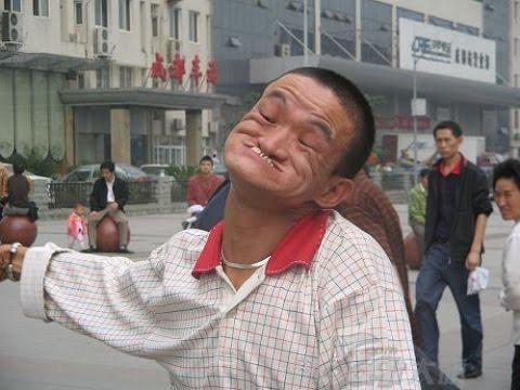 اضحك حتى البكاء