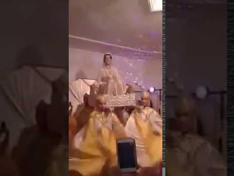 لقطة محرجة...عروس تتشقلب في زفافها