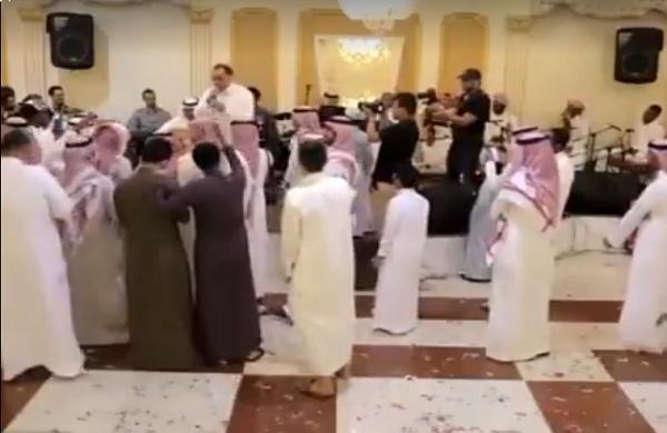 الخليج يغنون بالداريجة المغربية