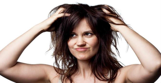 خلطات مدهشة للتخلص من حكة الشعر في الشتاء