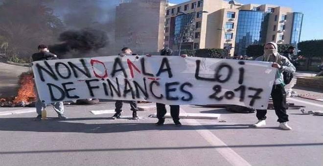 الجزائر في 2017..أزمة متعددة الجوانب تعيد شبح الربيع العربي