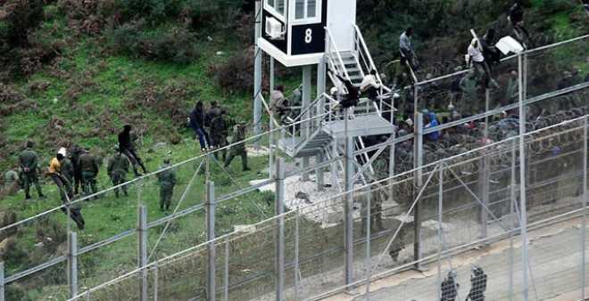 رجل أمن مغربي يفقد عينه في أحداث سياج سبتة