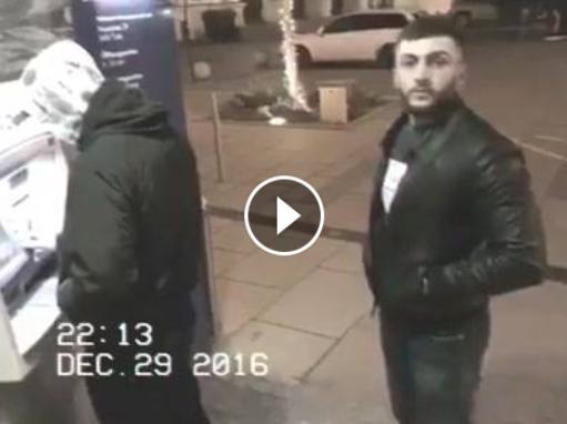 هههههههه ولى يحلل فالكاميرا