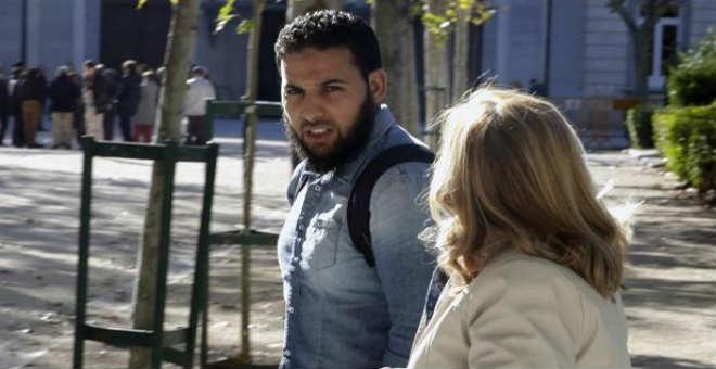 إدانة مروج جزائري للتطرف تقاضى  مساعدة  من حكومة