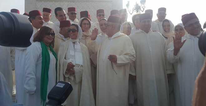 بنكيران يلطف الأجواء مع أخنوش أثناء زيارة ضريح الراحل الحسن الثاني