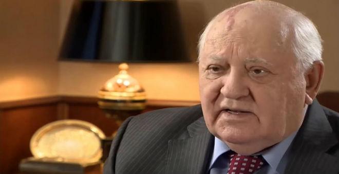 غورباتشوف:  الساسة والعسكريون يستعملون مفردات أكثر حربية.. وعلى موسكو وواشنطن وقف السباق على التسلح