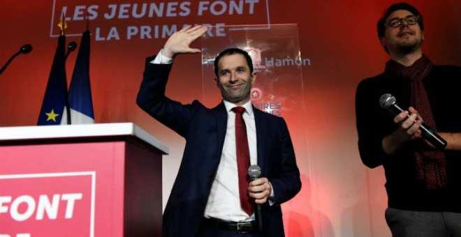 الانتخابات التمهيدية لليسار الفرنسي..هامون يتفوق على منافسه مانويل فالس