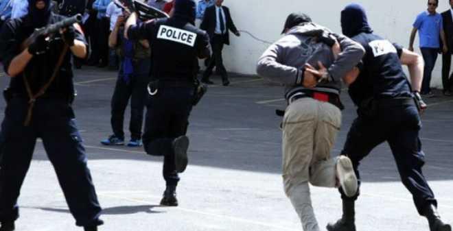 الأمن ينفي استخدام أسلحة وغازات مسيلة للدموع لتفريق محتجين بالحسيمة