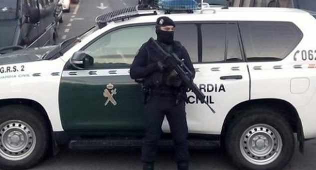 الشرطة الاسبانية تعتقلا مغربيا بتهمة الانتماء ل