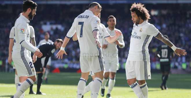ريال مدريد يدك شباك غرناطة في الليجا ويحتفل بكرة رونالدو الذهبية