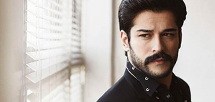 بالفيديو.. هكذا استقبال المغاربة الممثل التركي
