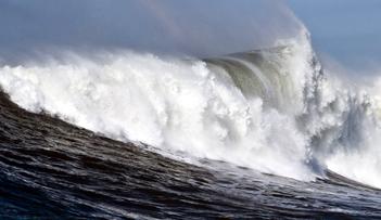 مديرية الأرصاد تحذر من أمواج عالية بالسواحل وطقس متقلب