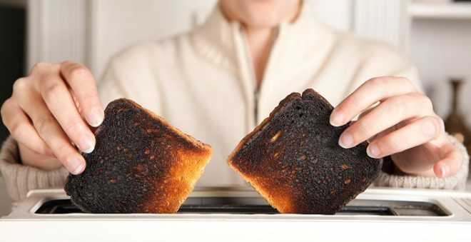 خطير .. دراسة جديدة تؤكد أن الخبز المحروق من أكبر مسببات السرطان !!