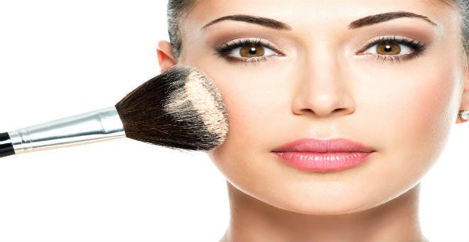 تعلمي تحضير بودرة الوجه بنفسك من مكونات طبيعية