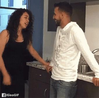 لهذا يجب على المراة الا تمزح مع الرجل