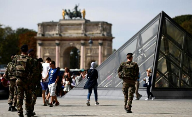 بعد كيبيك.. باريس تستفيق على وقع إطلاق النار