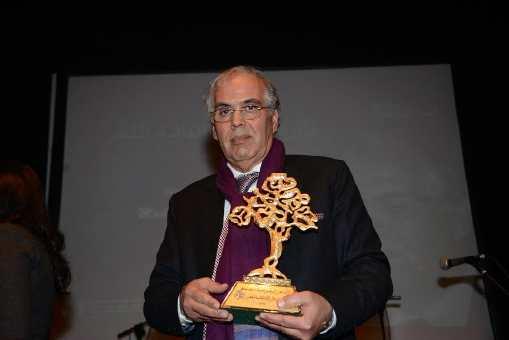 الشاعر المغربي محمد بنطلحة يتسلم جائزة الأركانة العالمية للشعر