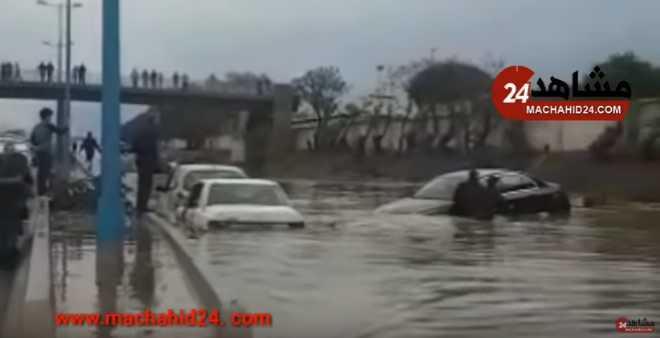 التساقطات المطرية تغرقُ الطريق السيار بالبيضاء!