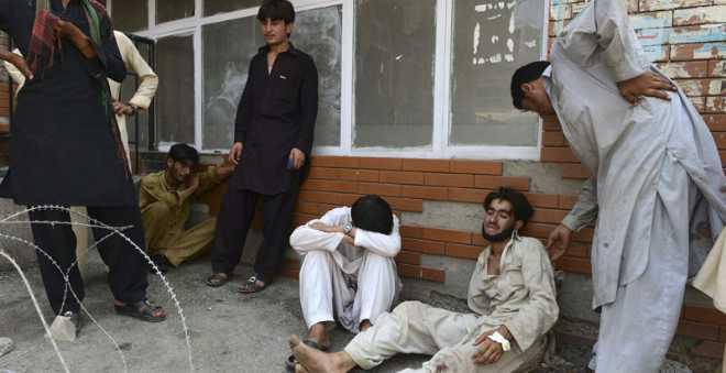 أزيد من 70 قتيلا في تفجير انتحاري بباكستان و