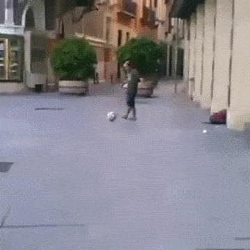 مهارة خارقة في كرة القدم