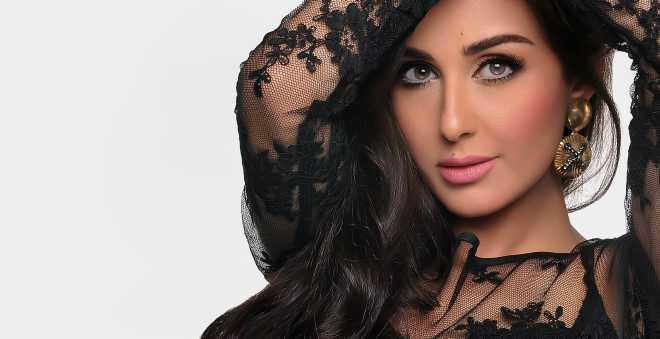 وئام الدحماني تخلق الجدل بصور جريئة من آخر جلسة تصوير !!
