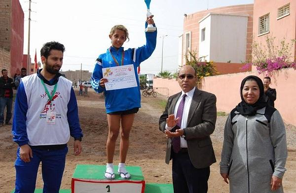 السباق النسوي على الطريق بأزرو يشجع المرأة على الرياضة