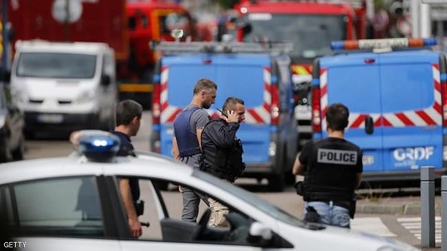 مرتكب جريمة ذبح والده و شقيقه في فرنسا تونسي وهذه هويته