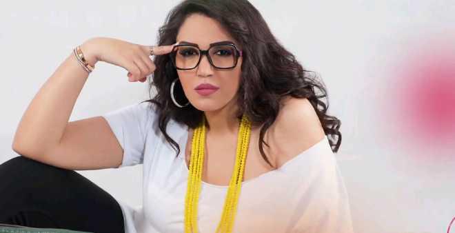 أسماء المنور تنفي مشاركتها في مهرجان الموسيقى الروحية وهذا ما نشرته..