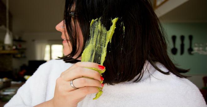 هل تعلمين ماذا يحصل لشعرك إذا وضعت عليه الفلفل الأخضر ؟