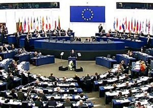 برلمانيون أوروبيون يدعون للحفاظ على علاقات الاتحاد الأوروبي بالمغرب