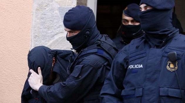 إسبانيا: اعتقال 3 مغاربة في كاطالونيا لانتمائهم لتنظيم