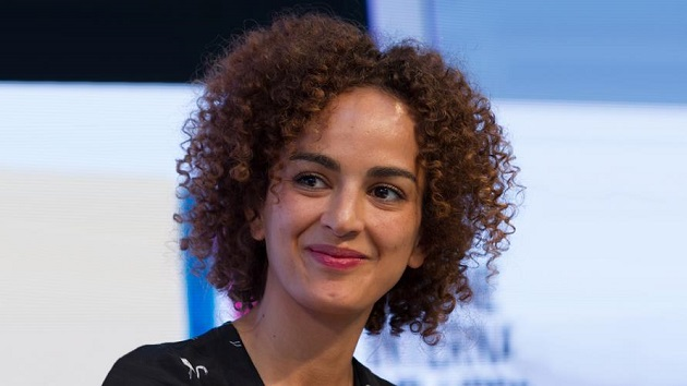 توشيح الكاتبة المغربية ليلى سليماني بالوسام الفرنسي للفنون