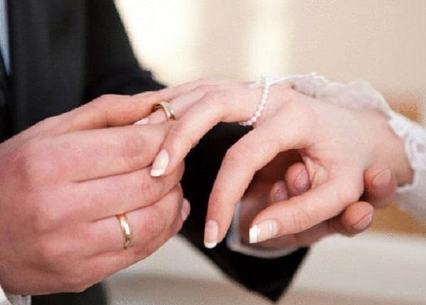 فرنسا: المغاربة ثاني أكثر أجانب في الزواج المختلط