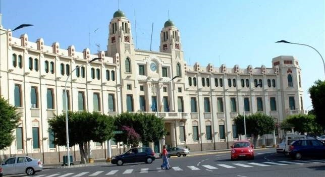 جريدة إسبانية تعترف بمغربية مليلية المحتلة